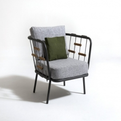 Sedie e sedute da esterno panchine talenti online for Sedute da esterno